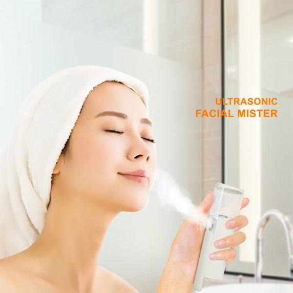 facial mister with model 3